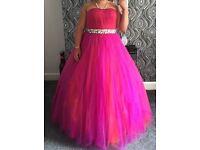 wedding dress/ prom dress