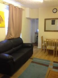 ROOM AVAILABLE WITHIN 5MINS WALKING DISTANCE TO OXFORD ROAD. 1 ROOM LEFT!
