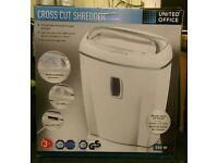 Cross cut shredder