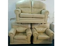 CREAM LEATHER 2 SEATER SOFA & 2 CHAIRS