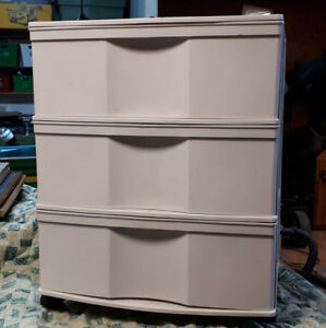 3 Drawer rolling storage unit