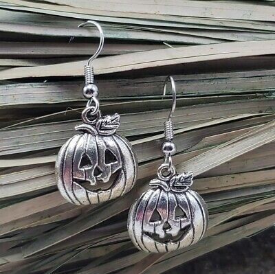 Vtg 90's Silver Pumpkin Earrings Pierced Jack-O-Lantern Halloween Silver Tone