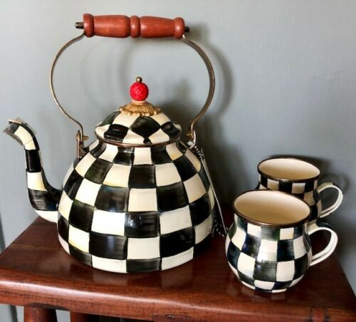 BRAND NEW MacKenzie-Childs Courtley Check Enamelware 2-quart Kettle w/ 2 Cups