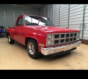 Looking for Mint classic vehicles & someone to help me 4 $$$$
