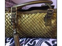 Authentic Burberry real leather shoulder bag, real bargain :)