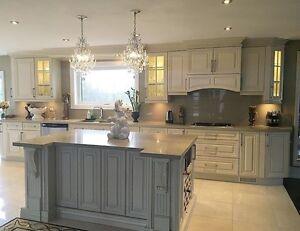 PRE-ASSEMBLED SOLID WOOD KITCHEN CABINETS