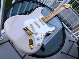fender stratocaster classic vibe 50s limited avec gold harware