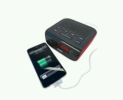 Bedroom LED Alarm Clock Fm Radio with Dual Alarm and USB phone Charging Station