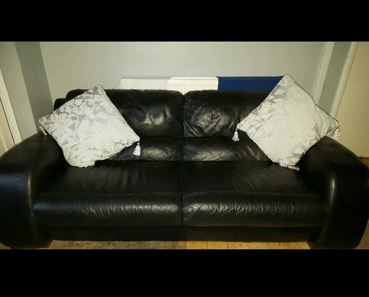 Astonishing 3 And 2 Csl Black Leather Sofas Settee In Stockport Inzonedesignstudio Interior Chair Design Inzonedesignstudiocom