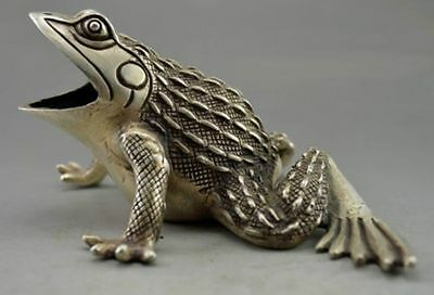 Collectible Decorated Old Handwork Tibet Silver Carved Frog Statue