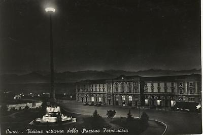 CUNEO VISIONE NOTTURNA DELLA STAZIONE FERROVIARIA 1954