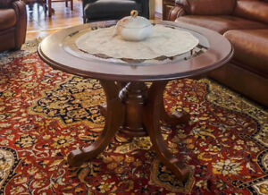 Beautiful Wooden/Glass Round Coffee Table