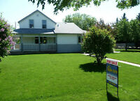 Beautiful updated home in Nobleford