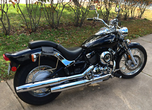 Yamaha V Star Custom Cruiser Motorcycle