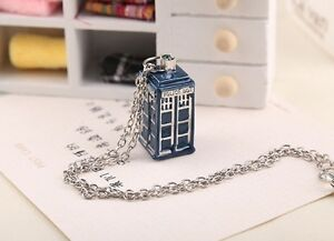 Doctor Who 3D Blue TARDIS Police Box PendaNT