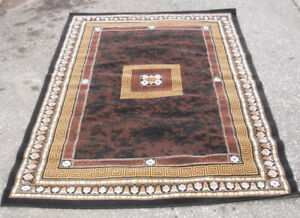 Very gently used like new Area Rug, 5.5' X  7.5', excellent cond