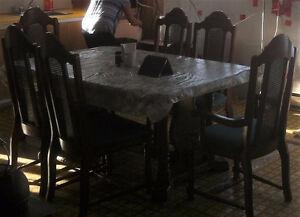 antique large table et 6 chaises bois solide