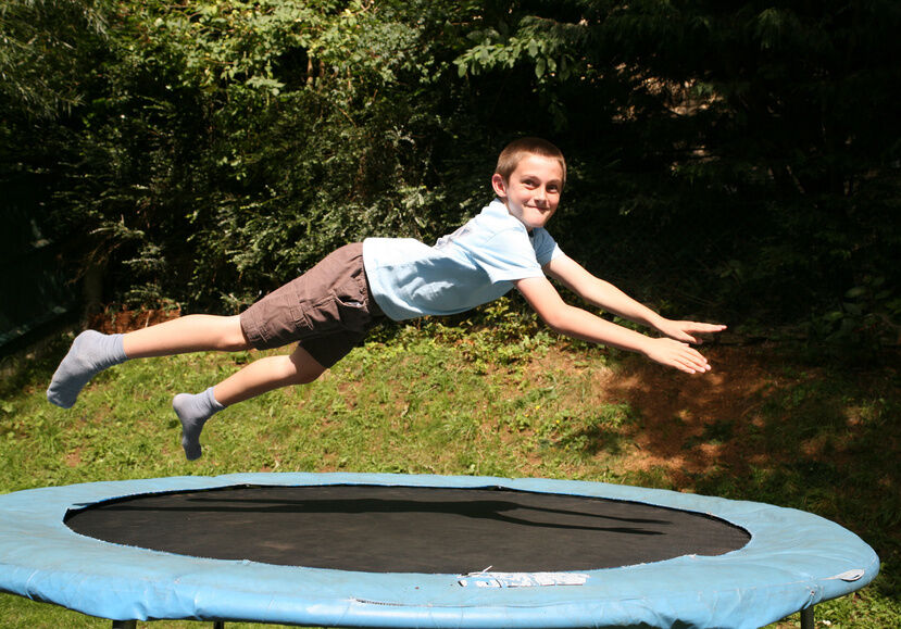 How to Choose a Keep Fit Trampoline for the Garden