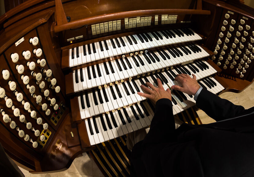 Your Guide to Learning to Play the Organ