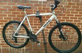 """Men's Bike Viking Aluminum 22"""" Frame (brand New Tyres)"""