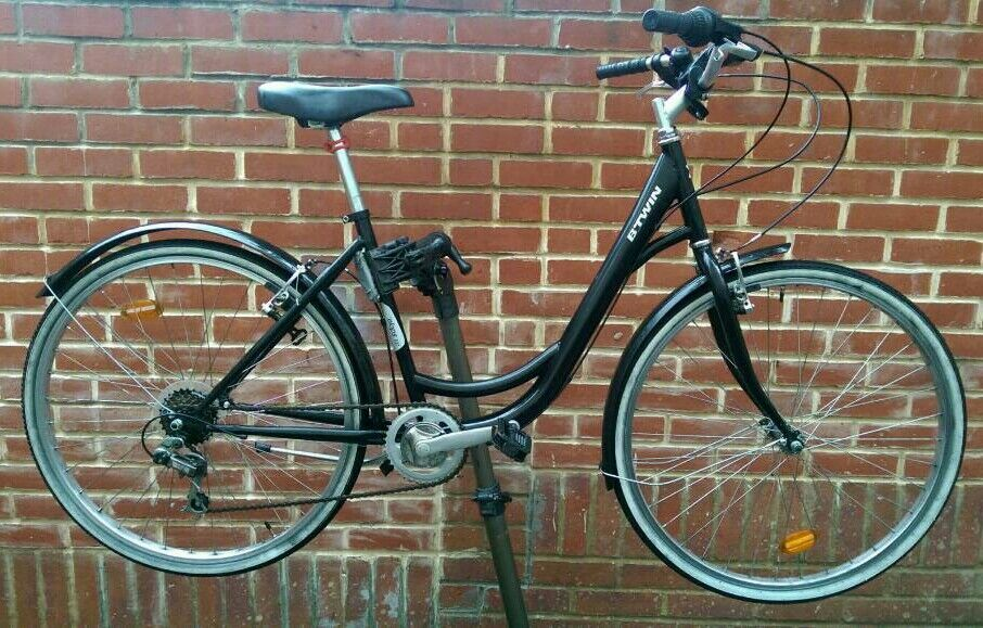 """Hybrid BTwin 28"""" Wheels Bike (TODAY ONLY £90)"""