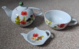 Poppy Teapot, Cup & Saucer