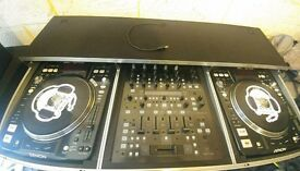 2 Denon 3700 with Behringer DDM4000 Digital Mixer with Flight Case