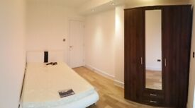 Modern Double Room & Huge terrace Surrey Quays/Canada Water