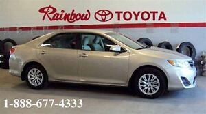 2014 Toyota Camry LE  - LOW KMS