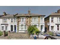 Lovely one bed flat on ground floor available in Brent. Housing Benefit and DSS accepted.