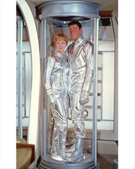 LOST IN SPACE TELEVISION PHOTO 8x10 Photo beautiful pic 274404