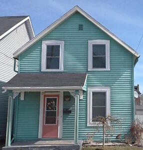 3 bedroom, 1 1/2 story home in downtown Brockville