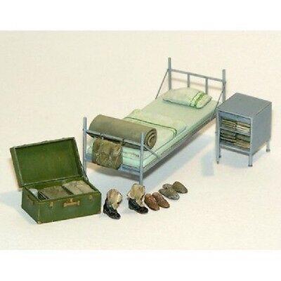 PLUS MODEL #395 Barrack Equipment für Diorama in 1:35