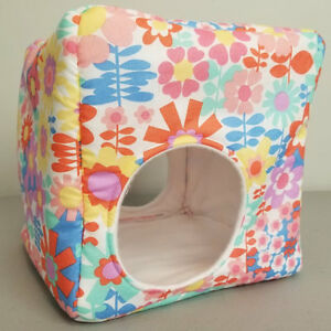 Large Pink and Red Flower Reinforced Cube - Guinea Pig, Ferret,