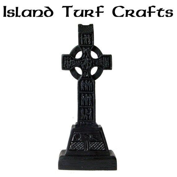 """Irish Turf 7"""" Monasterboice Cross"""