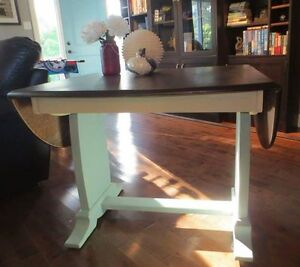 Annie Sloan Chalk Painted Table & 3 chairs London Ontario image 1