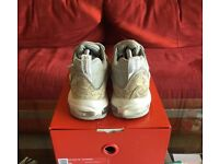 Supreme air max 98s Snakeskin size 7.5 in box with tags