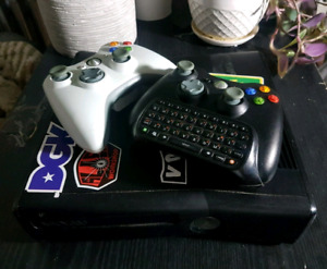 XBOX 360 w/ 2 Controllers + 22 Games