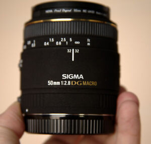 SIGMA 50mm 1:2.8 DG Macro Lens for Canon