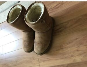 WOMENS UGG BOOTS SIZE 10