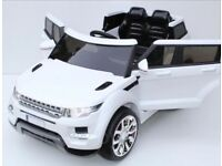 Range Rover 12v HSE style ride on car with remote control music and lights leeds £200