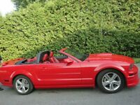2005 Ford Mustang convertible beaucoup extra Coupe 2porte 14,500