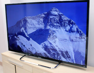 "Like new Sony 48 "" 1080p 120 Hz LED Smart TV,"