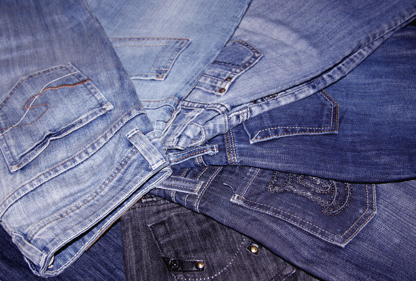 Your Guide to Buying Lee vs. Levis Jeans