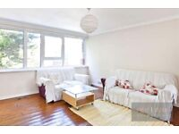 LOVELY SPLIT LEVEL PROPERTY WITH 4 BED AND A LOUNGE TO RENT IN CAMBERWELL SE5