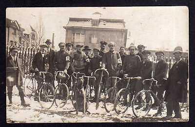92763 AK Fahrrad All Heil Fotokarte Militär Radfahrer um 1915