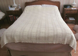 Vintage Crochet Bed Cover / Spread - Fits a Double Bed
