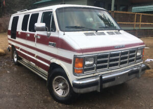 DODGE RAM VAN B250 ROADTRIP CAMPER VAN 250