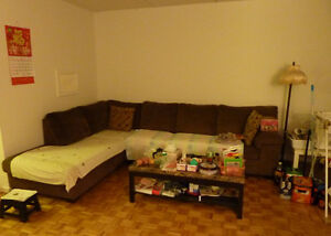 Looking for a roommate (student, single man, single woman)