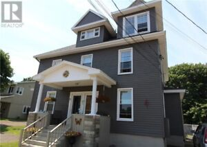 A nice duplex for sale in downtown Shediac close too everything.